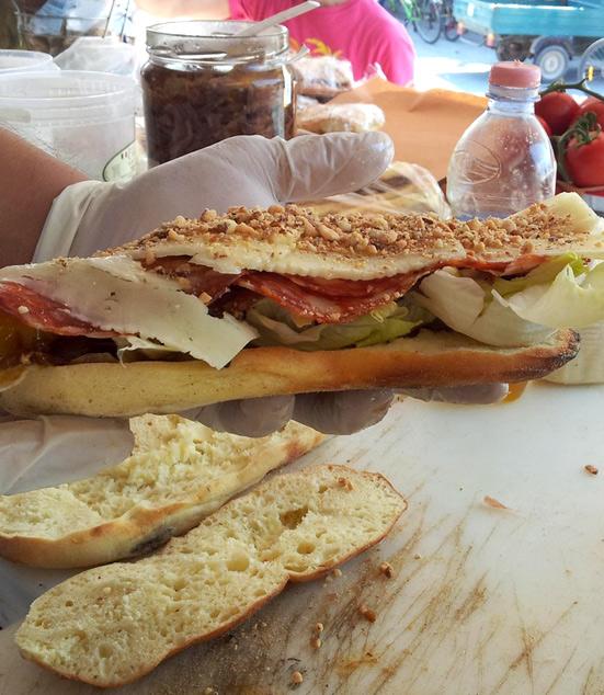 non-solo-formaggi-panini-tonno-pesce-spada-aperitivo-pranzo-veloce