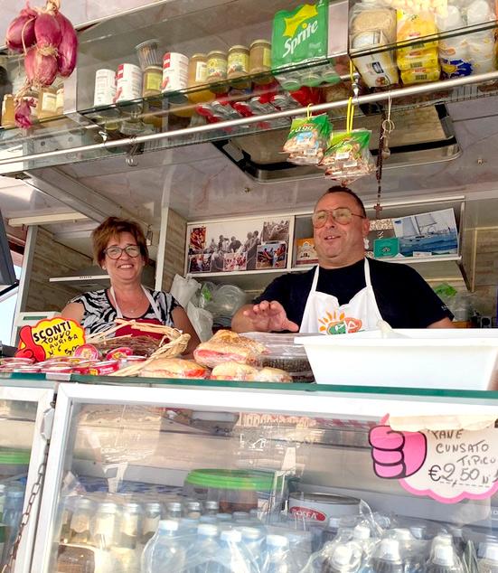 vito-e-maria-non solo-formaggi-favignana-panini-tonno-pesce-spada-specialita-street-food
